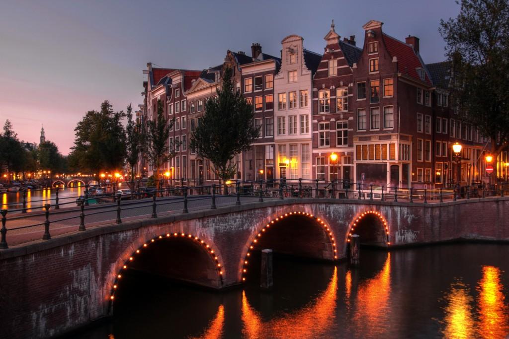 kanał holenderski w amsterdamie